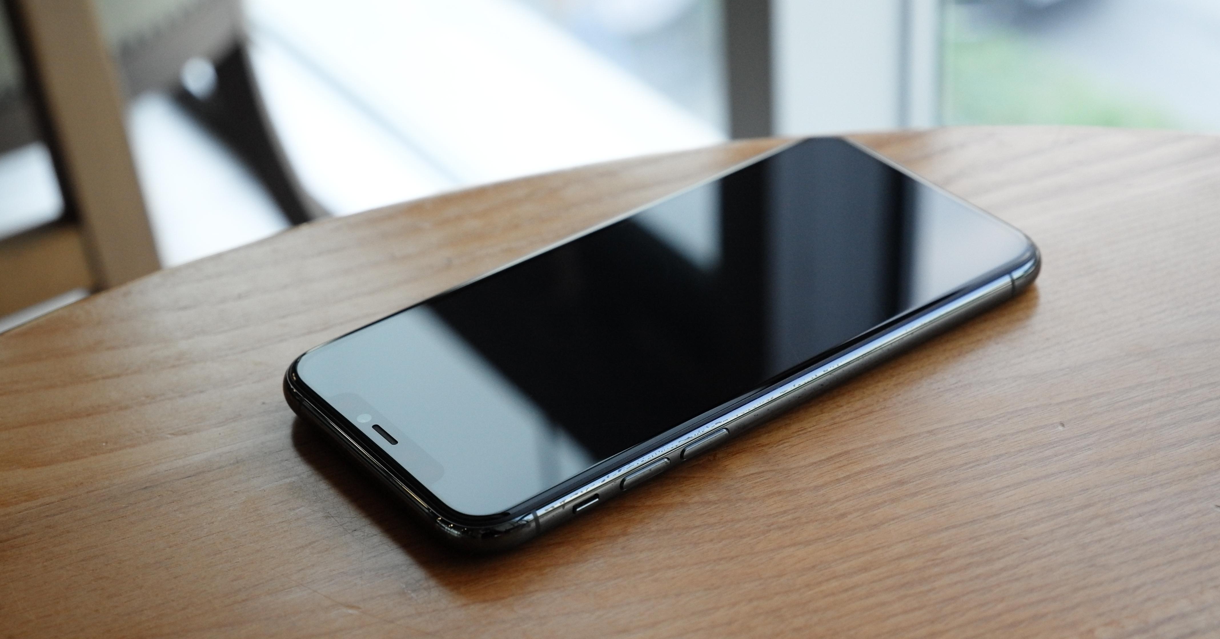 Comment poser un verre trempé sur son téléphone ?